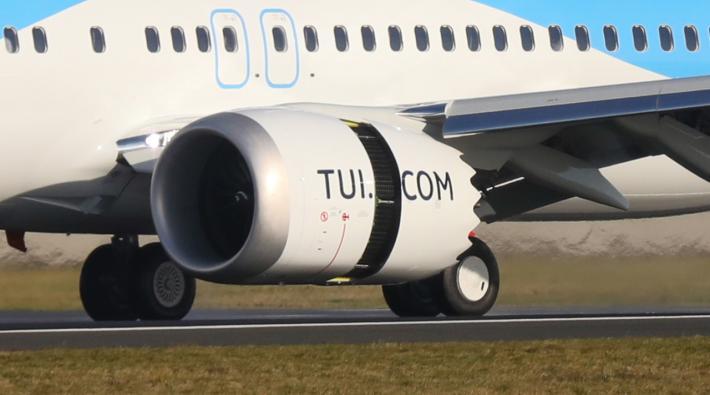 TUI 737 MAX vliegtuigmotor